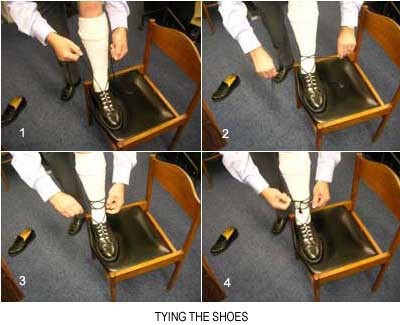 how to tie shoes correctly when wearing a kilt